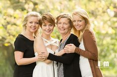 Mother with her 3 adult daughters. Photography by Rikki-Lee Wrightson of pregnant memories.