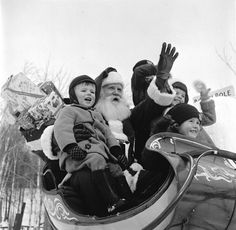 NORAD Santa tracker 2016 has officially gone live. From now until the end of December, children will be able to visit the official NORAD Santa Tracker website and play games, learn fun facts about . Vintage Christmas Photos, Xmas Photos, Retro Christmas, Christmas Baby, Christmas Pictures, Vintage Holiday, Miss The Old Days, Ghost Of Christmas Past, Christmas Albums