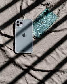 Protect your new iPhone with Case-Mate's fashion-forward premium cases. Discover our new iPhone 2019 cases collection here and choose your favorite. Iphone Pro, Iphone Phone Cases, New Iphone, Iphone Case Covers, Apple Iphone, Macbook Pro Tips, Get Free Iphone, Simple Signs, White Iphone