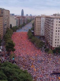 """""""Just some of the millions taking to the streets in Barcelona today celebrating Catalonia and hoping for independence"""" Barcelona Bars, Barcelona Catalonia, Gaudi, Spain And Portugal, Beautiful World, Valencia, Places To See, City Photo, Dolores Park"""