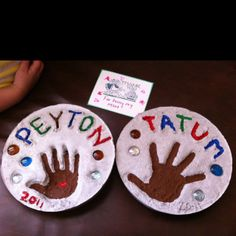 Stepping stone Mother's Day crafts for the garden!