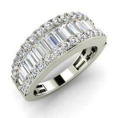 Round SI Diamond  and VS Diamond Wedding Ring in 14k White Gold