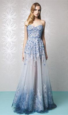 Appliqued Prom Dresses A-Line Sweetheart Neckline Sleeveless Lace Party Evening Dress Floor Length Tulle Formal Gown