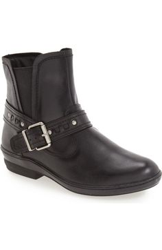 CLARKS 8W Bendables Ingalls Dover Leather Booties