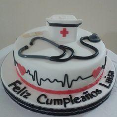 #Tortadecorada #torta #pastel #cake #fondant #instatorta #instacake #enfermera…