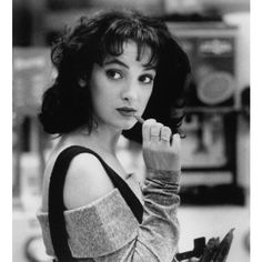 Style Muse Winona Ryder ❤ liked on Polyvore featuring winona ryder, people, pictures, backgrounds and photos