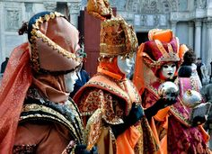 Around 3 million visitors come to Venice, Italy, every year to experience the mask festival. Here are a few interesting facts about the Venice Carnival. Venice Mask, Bungee Jumping, Italian Style, Italy Travel, Venetian, Costumes, Laddu Gopal, Carnivals, Venice Italy