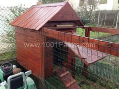 image10 600x450 Handmade chicken coop with pallets / Poulailler en Palettes fait main in pallets ceiling roof pallet garden with Coop