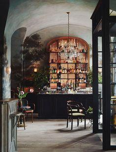 Le Coucou New York | Restaurant | Commercial Design | Mural | Chandelier