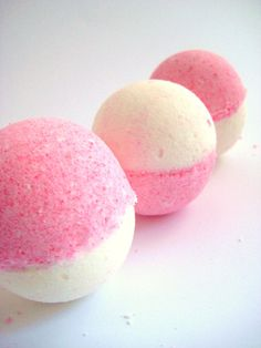 Hey, I found this really awesome Etsy listing at https://www.etsy.com/listing/160707015/cherry-vanilla-bath-bomb-10-ounces