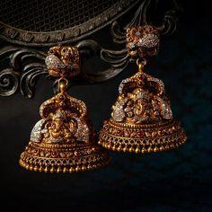 Diamond jhumkas from Indian Jewelry Earrings, Jewelry Design Earrings, Indian Wedding Jewelry, Gold Earrings Designs, Gold Jewellery Design, Antique Earrings, Antique Jewelry, Jhumka Designs, Silver Jewellery