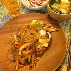 コストコの鮭に野菜の餡かけ  イカのネギ塩焼き  豆腐とわかめの味噌汁  栄養満点! - 9件のもぐもぐ - 鮭の野菜餡かけ by akane11T