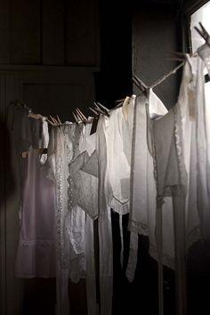 noperfectdayforbananafish:    Kind of laundry (by MaureenduLong)