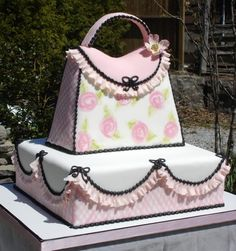 LOVE the Ruffles! Could do without the black. Would be an adorable baby shower cake :)