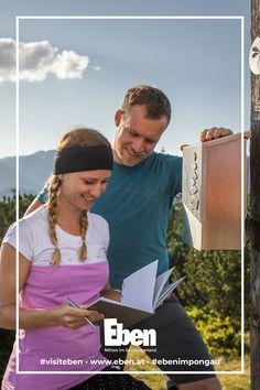 Hol dir deine Starterbox bei einem der sieben Tourismusverbände der Salzburger Sportwelt und begib dich auf die Reise der wohlwollenden Königin und ihrer sechs Edelmänner! ✨⛰ Family Activities, Hiking Trails, Wise Women, Voyage, Walking Paths
