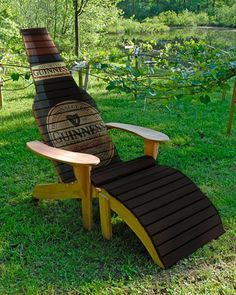 Ted's Woodworking Plans - Beer Bottle Chair Woodworking Plans Get A Lifetime Of Project Ideas & Inspiration! Step By Step Woodworking Plans Pallet Garden Furniture, Furniture Plans, Rustic Furniture, Cool Furniture, System Furniture, Outdoor Furniture, Furniture Stores, Plans Chaise Adirondack, Adirondack Chairs