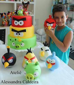 Angry Bird Cake I Alessandra Caldeira