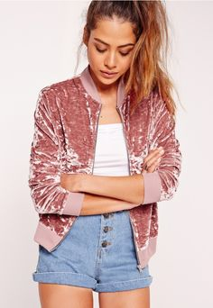 Velour is a classic throwback wardrobe staple and it's back! You can't deny that every girl rocked velour on more than one occasion. This novelty bomber jacket is the one you need RN. Featuring a dusky pink hue, velvet material and a relaxe...