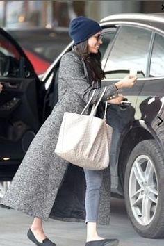 "Meghan Markle Street Style #NarrativeStyleOutfits #MyStyle Smythe Brando Coat in Salt & Pepper Goyard Tote Birdies ""The Swift"" Black Slippers Tan Trench Coat Women's Fashion Winter Outfits Spring Outfits Celebs Celeb Style Cute Outfits Winter Coat Outfits #MeghanMarkle #Suits #StyleTrend #TrenchCoat #WinterOutfits #StreetStyle #SpringOutfits #WomensFashion #WomensStyle #FashionBlog #CuteOutfits #BritishRoyalFamily #RoyalCouple #RoyalEngagement #RoyalFamily #Celebs #CelebStyle #BirdiesSlipper"