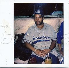 Browse through images in Keith Morgan wo pred's Celebrities Athletes Club Photos collection. world champs oscar winners olympic athletes jamie foxx david justice halle berry snoop dogg bobby brown ice cube ice t wu tang clan evander holy. Arte Hip Hop, Hip Hop Art, 80s And 90s Fashion, Hip Hop Fashion, Black Queen, Ice Cube Rapper, 90s Artists, Nate Dogg, Hip Hop Classics