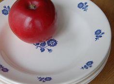 Huset i Lunden Cream Aga, Kitchen Dresser, Big Kitchen, Walk In Pantry, Dear Santa, The Dish, Norway, Stoneware, Decorative Plates