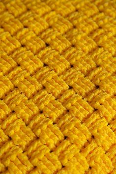 "Comfort Crochet Pet Blanket Square (14"", 24"", 36"") - free pattern by  Stacey Winklepleck at KnitPicks.com"