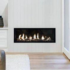 Top 60 Best Linear Fireplace Ideas - Modern Home Interiors - donnamorton. - - Top 60 Best Linear Fireplace Ideas – Modern Home Interiors – donnamorton. Tv Above Fireplace, Linear Fireplace, Gas Fireplace Logs, Home Fireplace, Living Room With Fireplace, Fireplace Surrounds, Fireplace Design, Fireplace Ideas, Gas Fireplaces