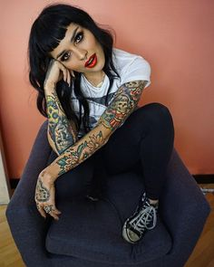 540 × 653 pixels - ヘア・ビューティー - Beauty Tips and Tricks Estilo Pin Up, Estilo Rock, Cabello Pin Up, Rockabilly Moda, Rockabilly Bangs, New Hair, Your Hair, Betty Bangs, Costume Noir