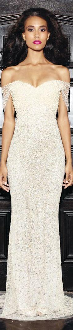 The Philadelphia Story: The Millionairess of Pennsylvania: Lorena Sarbu Resort 2014 white gown