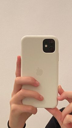 Cute Cases, Cute Phone Cases, Iphone Phone Cases, Iphone 11, Apple Iphone, Telefon Apple, Apple Brand, Aesthetic Phone Case, Pretty Iphone Cases