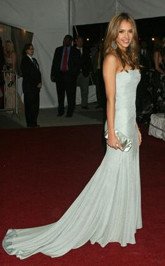 The Best Met Gala Gowns Over the Years : Jessica Alba, 2006