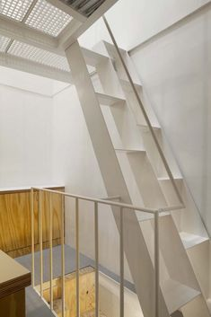 Gallery of Tower Apartment / Agence SML - 9 STAIRS