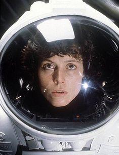 Sigourney Weaver As Ellen Ripley - Alien, 1979 Alien 1979, Alien Film, Alien 2, Science Fiction, Fiction Movies, Sci Fi Movies, Horror Movies, Best Alien Movies, Sf Movies