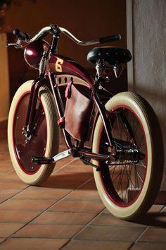 Splendid cruiser ... ! Velo Retro, Velo Vintage, Retro Bicycle, Vintage Bikes, Velo Design, Bicycle Design, Cruiser Bicycle, Motorized Bicycle, Velo Shop