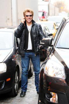 Jon Bon Jovi Photo - Jon Bon Jovi Out and About. The man makes 50 look gooooooooooooooooood!