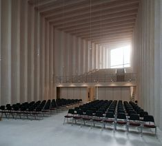 Image 5 of 14 from gallery of Immanuel Church / Sauerbruch Hutton. Photograph by Thomas Mayer