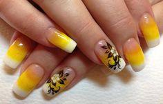 Diseños de uñas con acrílico, diseño de uñas de acrílico de novias.   #diseñodeuñas #nailart #uñasdiscretas