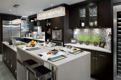 Home bittersweet Home / Suzie: Brandon Barre Photography - Candace Olson Kitchen! modern espresso kitchen design with . Kitchen Interior, Beautiful Kitchens, Brown Kitchens, Kitchen Decor, Home Remodeling, Contemporary Kitchen, Home Kitchens, Kitchen Design, Traditional Kitchen Island