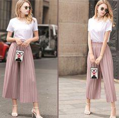 #digitalmarketing #businesssolutions #b2c #ecommercewebsite #contentmarketing #networking #followme #fashion #capris #fashionblogger #fashionblog #fashionable #fashionstyle #ootd #ootdmagazine #ootdshare #style #digitalmarketing #styleblogger #styleblog #seo #pleated #sequindress #fashioninspo #styleinspiration #inspo #trendalert #photooftheday #styleoftheday #pants Tight Leggings, Leggings Are Not Pants, Designer Leggings, Women's Fashion, Fashion Outfits, Fashion Design, Wide Pants, Printed Leggings, Sequin Dress