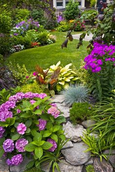 I in no way shape or form have a green thumb, but one day I want a yard as beautiful as this one. Although, I might need a gardener to keep it up for me. 8)