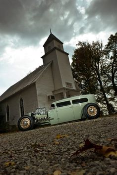 Custom culture, custom machines, hot rods, rat rods, classic cars, offroad trucks | www.mychopper.ro