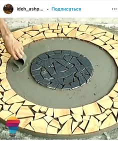 Mosaic Diy, Mosaic Crafts, Mosaic Projects, Diy Projects, Diy Crafts For Home Decor, Diy Crafts Hacks, Diy Arts And Crafts, Cement Art, Concrete Crafts