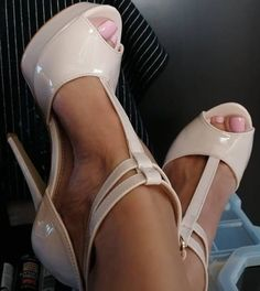 Types Of High Heels, Open Toe High Heels, Affordable Fashion, Peep Toe, Shoes Heels, Pure Products, Sexy, Beauty, Sandals