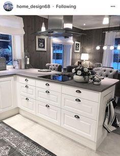 on Insta Web Viewer Kitchen Redo, Home Decor Kitchen, Kitchen Remodel, Kitchen Cabinets, Luxury Kitchens, Home Kitchens, Sweet Home, Home Decor Shops, Home Accents