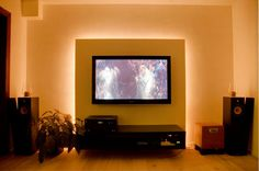 Advies: voorzetwand TV met ledverlichting Wall Mounted Tv, Tv Cabinets, Entertainment Center, Living Room Decor, Minimalism, Sweet Home, Diy Projects, Interior Design, House