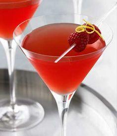 RASPBERRY WISP    GREY GOOSE® Le Citron  Fresh Lemon Juice  Simple Syrup  Chambord  Raspberries  #cocktails #drinks #alcohol