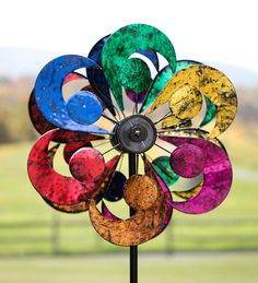 Gala 4-Blade Solar Wind Spinner | Decorative Garden Accents