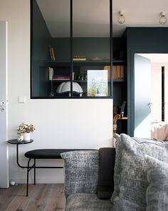 Creating a black / white contrast space Interior Design Inspiration, Modern Interior Design, Interior Architecture, Interior And Exterior, Decorating Your Home, Interior Decorating, Living Spaces, Living Room, Deco Design