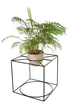 Para uso en interiores y al aire libre. Se puede utilizar de muchas maneras: como una tabla; tamaño XL o L de macetas (si usted voltee hacia abajo) Soporte de la planta es muy resistente y no puede ser fácilmente dañada. Muy bien el paquete para el envío de todo el mundo. KUBUS se