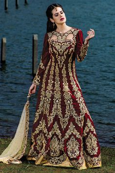 Bridal wear panetar style gown maroon & cream color